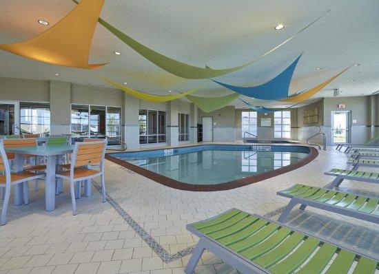 Hampton Inn by Hilton Calgary Airport North: Indoor Pool
