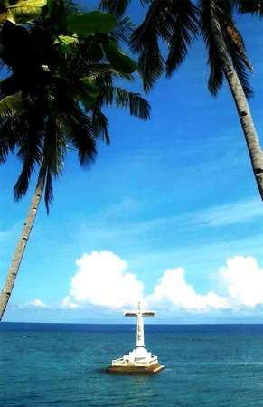 Paras Beach Resort: Marker at the famous Sunken Cemetery