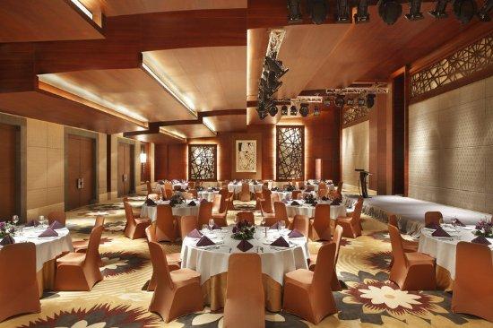 Wanning, China: Ballroom - banquet setup