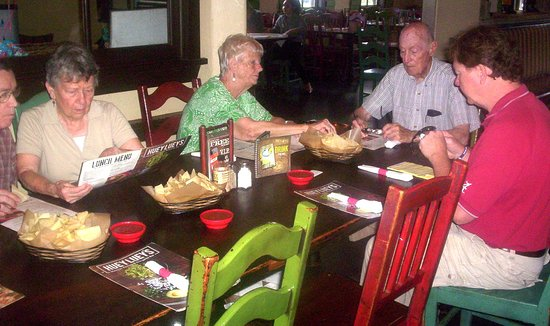 Hiram, GA: Some of my Friends Enjoying Lunch