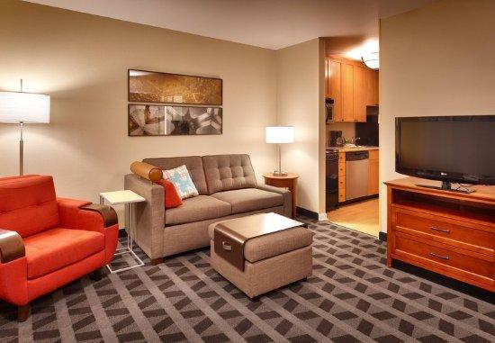 Sierra Vista, AZ: Two-Bedroom Suite Living Room