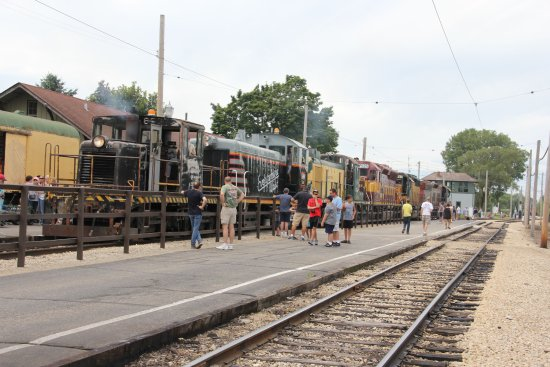 Union, IL: Getting trains lined up for the parade