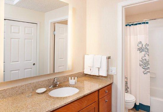 Bothell, Ουάσιγκτον: Suite Bathroom