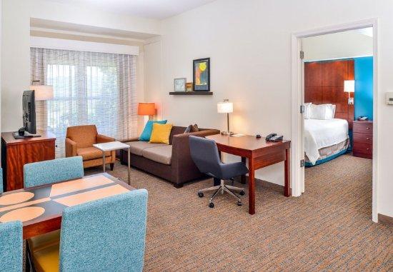 Waynesboro, VA: Two-Bedroom Suite - Living Room