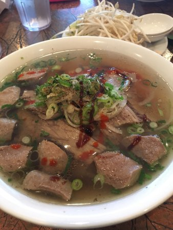 Langley City, Canada: Mai's Vietnamese Restaurant