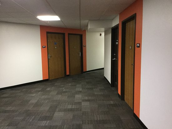 Streetsboro, OH: Corridors.