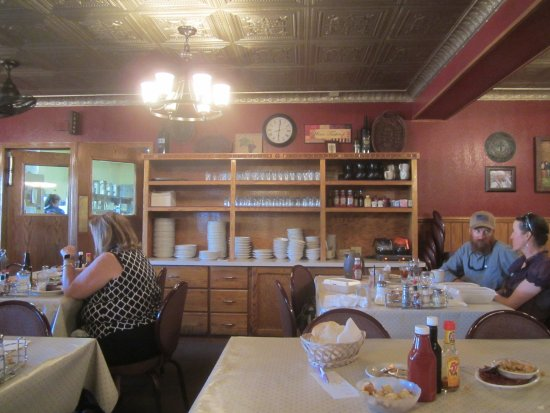 Elko, NV: Dining Room .. ..