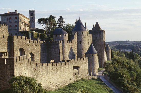 Hopp over linjen: Carcassonne Castle...