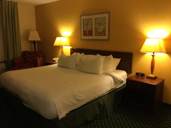 Uniontown, Pensylwania: Nice Queen sized bed!