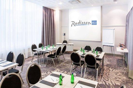 Radisson Blu Sky Hotel: Meeting Room