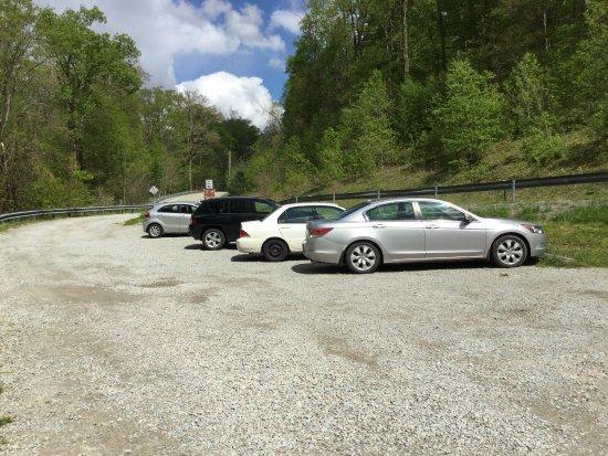 Ohiopyle, Пенсильвания: Parking spaces.