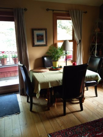 Fort Langley Bed Breakfast Dining Room