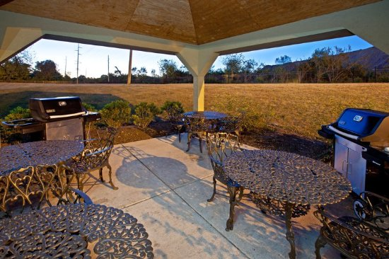Candlewood Suites Indianapolis Dwtn Medical Dist: Guest Patio
