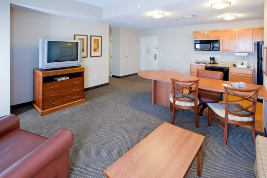 Candlewood Suites Indianapolis Dwtn Medical Dist: In-Room Dining