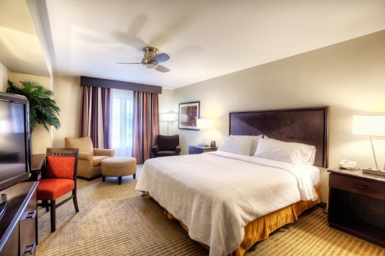 Laredo, TX: Bedroom of Whirlpool Suite