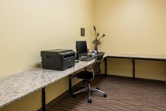Comfort Suites Burlington: Business center
