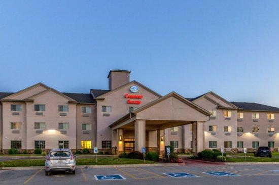 Comfort Suites Burlington: Exterior