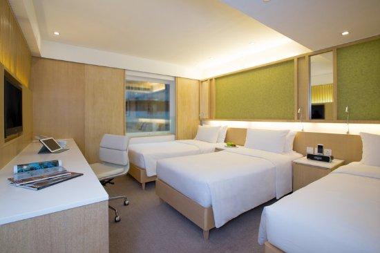 Eaton, Hong Kong: Triple Room