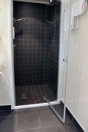 Sollentuna, Suecia: Bathroom