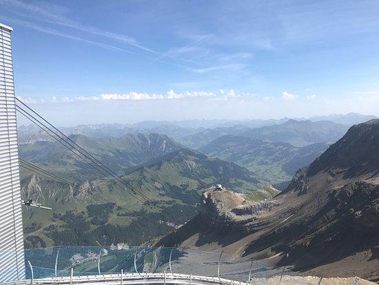 Les Diablerets, Suiza: Glacier 3000 backdrop