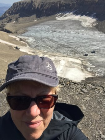 Les Diablerets, Schweiz: Me and Glacier below