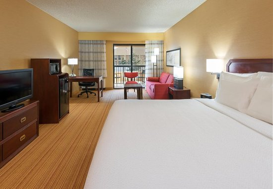 Louisville, CO: Extended King Guest Room