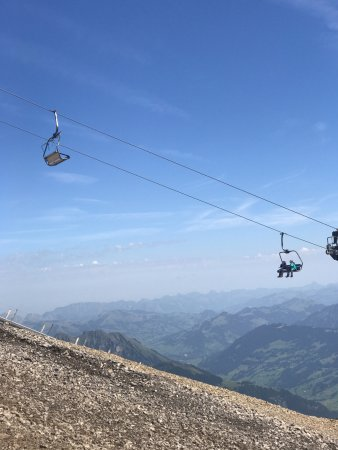 Les Diablerets, Schweiz: cable car down