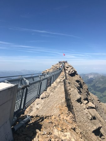 Les Diablerets, Schweiz: the metal bridge walkway!!!