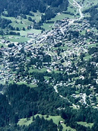 Les Diablerets, Switzerland: Village of Les Diablertets from Glacier 3000