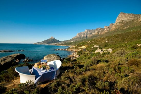 The Twelve Apostles Hotel and Spa : Exterior