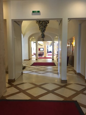 Hotel Schloss Pontresina Family & Spa: photo1.jpg