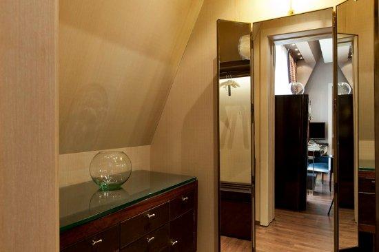 โรงแรมคาซาฟุสเตอร์: Dressing Area Superior Room