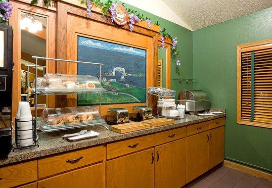 Proctor, Миннесота: Americ Inn Duluth South Breakfast
