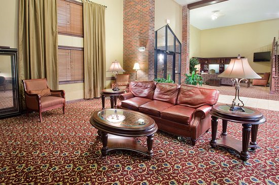 AmericInn Lodge & Suites Boiling Springs - Gardner Webb University: Lobby