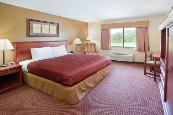 AmericInn Lodge & Suites Boiling Springs - Gardner Webb University: King