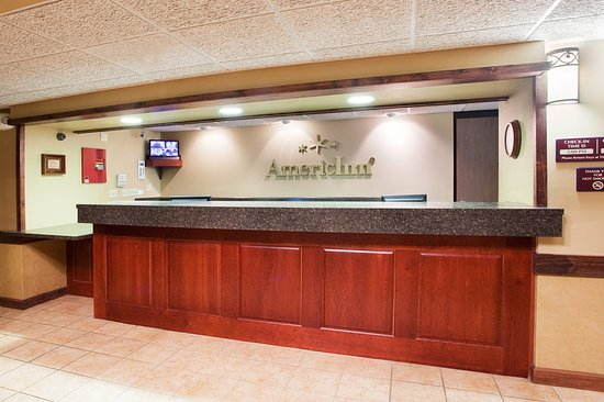 AmericInn Lodge & Suites Boiling Springs - Gardner Webb University: Front Desk