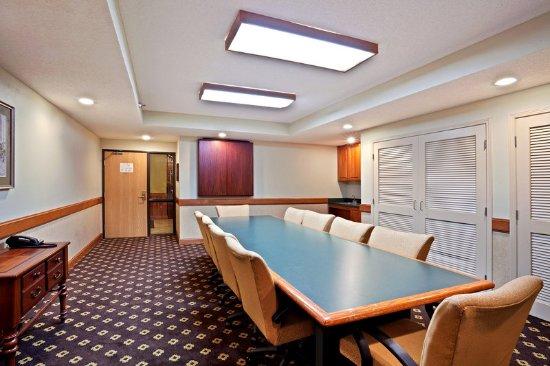 Chanhassen, MN: Boardroom