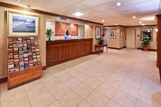 Fishers, IN: Americ Inn Indianapolis Front Desk