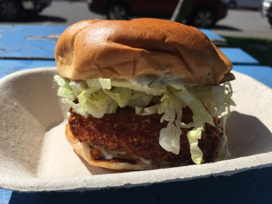 Kitimat, แคนาดา: Panko Halibut Burger