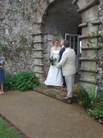 Lewes, UK: A beautiful Arch for the ceremony!