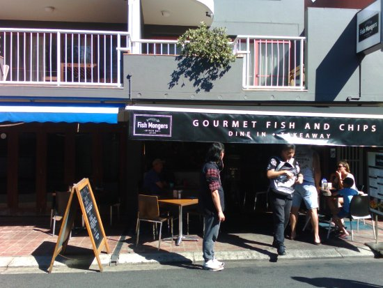 """Fishmongers Byron Bay: Not on the """"main drag"""" but a very happy find."""