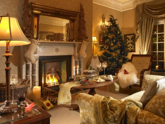 Hayfield Manor Hotel: Drawing Room at Christmas