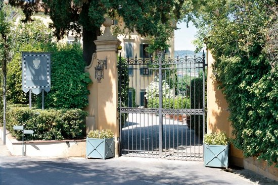 Candeli, Italien: The Main Entrance of Villa La Massa