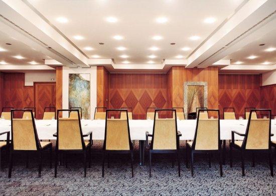 Italy Bolzano Parkhotel Laurin Meeting Room