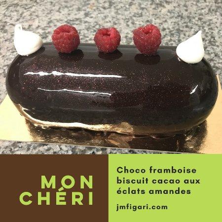 Figari, Francja: Une tentation qui s'appelle MON CHÉRI, comment résister ? Vos commandes au +33 7 85 34 15 39.