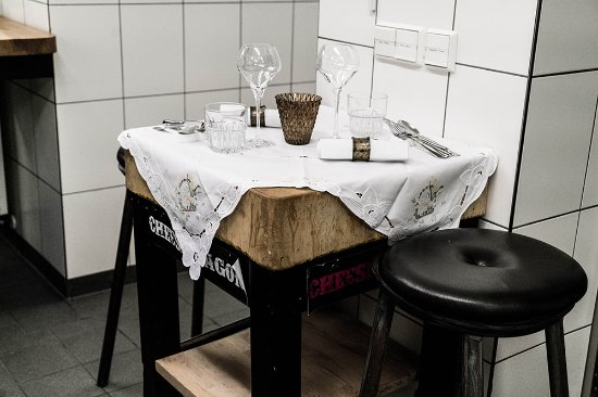 Chefs table in der k che picture of off club hamburg for Table 52 reviews
