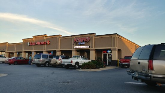 Warner Robins, GA: Parking lot
