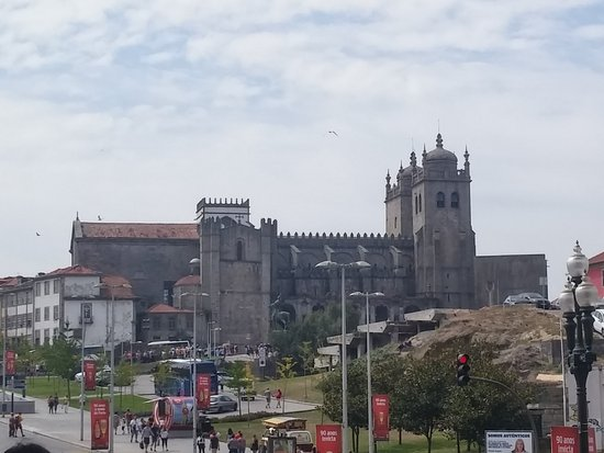 Porto Cathedral (Se Catedral): 20170815_115543_HDR_large.jpg