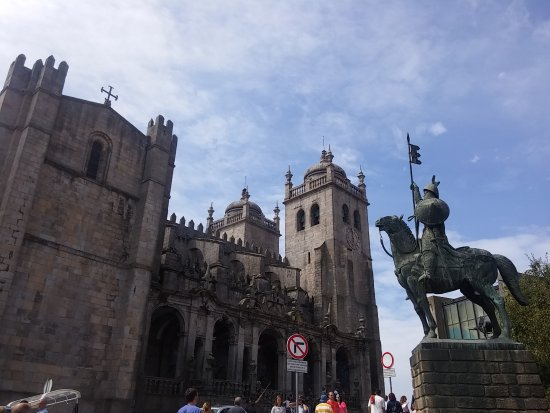 Porto Cathedral (Se Catedral): 20170815_120054_large.jpg