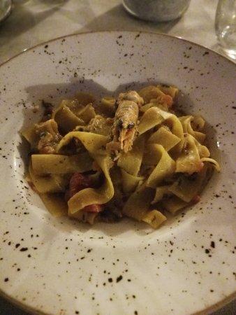 Signa, Italia: Tagliolini scampi e zucchine
